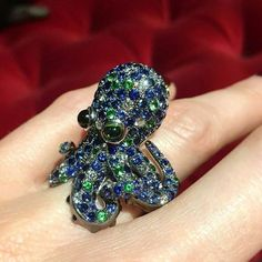 At @thejewelleryed. Adorned with blue sapphires, tourmalines, garnets and diamonds, Roberto Coin offers a bejewelled friend for your finger complete with a cute little face. Are you an 8 legged fan?  @roberto_coin • • #jewellery #octopus #octopusring #RobertoCoin #bewejewelledanimals #jewelry #ring