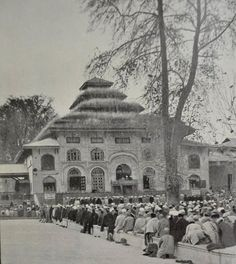 These Old Pictures of Kashmir You've Never Seen Before Will Show You How Times Have Changed! Vintage Pictures, Old Pictures, Old Photos, Rare Images, Old Images, Kashmir India, Tourist Sites, Srinagar, Paradise On Earth