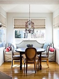 Luscious dining rooms - mylusciouslife.com Nice color schedule and color on the walls @Bowdre George Longo