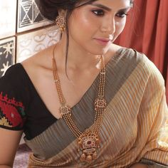 Buy the best Long Necklace Sets Indian Jewelry online from the top Long Necklace Sets manufacturer. Shop Myra Antique Long Necklace Set online from the top brand for the best traditional and classy looks. Gold Bangles Design, Gold Jewellery Design, Indian Gold Jewellery, Tanishq Jewellery, Indian Jewelry Sets, Antique Jewellery, Handmade Jewellery, Necklace Set, Gold Necklace