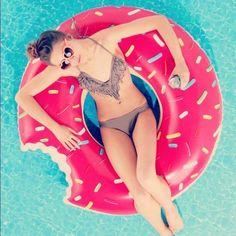 Doughnut Floatyy (: Love it