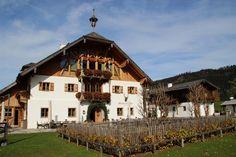Das Winterstellgut mit Kräutergarten Anna Berg, Visit Austria, Cozy Room, German Shepherds, Dream Vacations, Delicious Food, Switzerland, Winter, Countryside