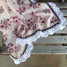 Nursery blanket, fleece blanket, baby blanket, crocheted blanket, flower fleece blanket by Lorettescottage on Etsy