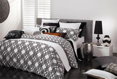 Florence Broadhurst Pagoda Black Duvet Cover Set - 100% cotton covers - duvet covers - queenb