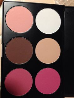 New Contour and Highlight Palette from Coastal Scents.