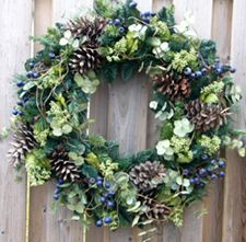 Love the combination of textures and elements for a winter/Christmas wreath