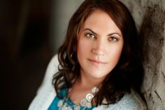 Tracey Garvis-Graves author of On the Island & Covet