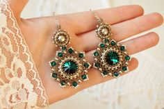 Hey, I found this really awesome Etsy listing at https://www.etsy.com/listing/249617142/bead-woven-earrings-emerald-beadwoven