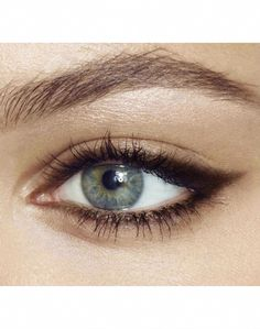 Smudged Eyeliner, Eyeliner Looks, No Eyeliner Makeup, Eyeliner Pencil, Natural Eyeliner, Natural Makeup, Eyeliner Ideas, Natural Beauty, Eyeliner For Almond Eyes