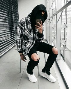 I'm 2 pieces away from having this outfit. I have the hat, jeans and flannel already! Solid look.