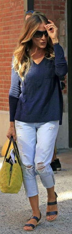 Sarah Jessica Parker: Jeans – 7 For All Mankind  Sunglasses – Fendi  Purse – Louis Vuitton