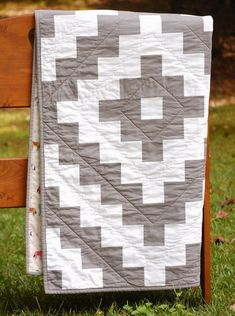 Tribal Tiles PDF Quilt Pattern - Modern Aztec Theme - Two Color Quilt - Solid Fabric Quilt - Crib, Toddler, Throw, Twin Size Twin Quilt Pattern, Patchwork Quilt Patterns, Modern Quilt Patterns, Quilt Patterns Free, Sewing Patterns, Southwestern Quilts, History Of Quilting, Two Color Quilts, Easy Quilts