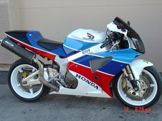 New paint scheme finished for my '04 RC51-southwestrides-3.jpg