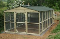 This is a very nice chicken coop, or even dog kennel with great roam space. Is very realistic for… Walk In Chicken Coop, Best Chicken Coop, Backyard Chicken Coops, Chicken Coop Plans, Building A Chicken Coop, Chicken Runs, Chickens Backyard, Portable Dog Kennels, Chicken Cages