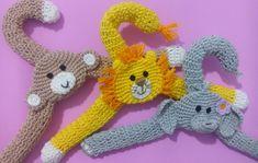 6 Cabides Infantis Safári no Elo7 | Amor em Crochê (64FD2F) Clothes Hanger Hooks, Coat Hanger, Baby Girl Crochet, Baby Blanket Crochet, Knitting Patterns, Crochet Patterns, Mom Birthday Quotes, Crochet Squares, Yarn Crafts