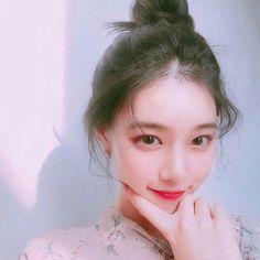 she a cutie Uzzlang Girl, Girl Face, Korean Beauty, Asian Beauty, Ulzzang Girl Selca, Ulzzang Hair, Ulzzang Makeup, Girl Korea, Cute Korean Girl