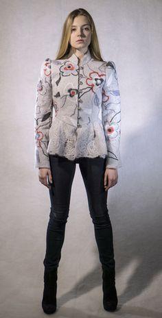 Жакет серый с цветами