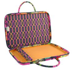 the inside of the Laptop Folio, this case is very cushioned and will protect your laptop from most anything