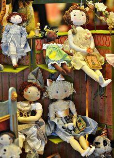 Aupays de Mervilles cloth dolls