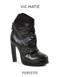 Stivaletto in pelle effetto stropicciato firmato VIC MATIE'. #NuovaCollezione #fw15 prezzo 439€ >> http://www.marsilistore.it/scarpe/donna/stivaletto-effetto-stropicciato.html #shoes #scarpe #fallwinter