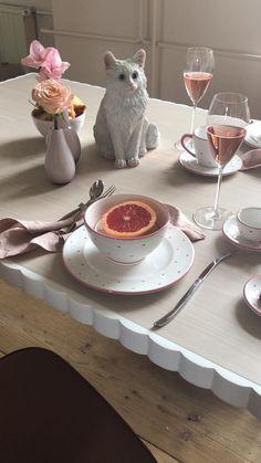Herzig in den Tag starten mit diesem Proseccofrühstück #handgefertigt #handmade #pottery #tableware #deko #interior #inspo #madeinaustria #craftmanship Deer, House Design, Pink, Animals, Outfits, Home, Handmade, Gifts, Homes
