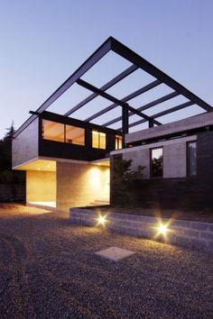 Carvallal – Dufey house / Mas y Fernández Arquitectos