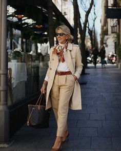 Best Fashion Tips For Women Over 60 - Fashion Trends Fashion For Women Over 40, 50 Fashion, Fashion Outfits, Fashion Trends, Fashion Bloggers, Fashion Boots, Fashion News, Fall Fashion, Fashion Jewelry