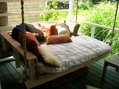 Porch bed swing for my dream home with a wrap around porch. Sweet Home, Diy Porch, Pallet Porch, Diy Pallet, Porch Ideas, Pergola Ideas, Pallet Ideas, Pallet Swings, Pallet Tree