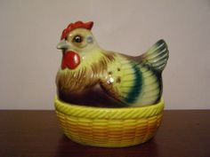 Vintage Norcrest Japan Chicken Hen on Nest w Eggs Salt and Pepper Shakers