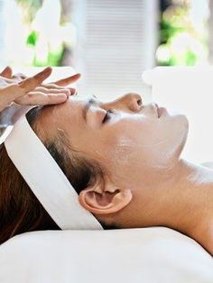 I spent the long weekend in Vegas, and while I was there, I splurged on a few spa treatments, including a facial that I dashed off to just moments after landing. One of the perks. facial Do You Have Thick Skin? (No, Not That Kind) Homemade Acne Treatment, Facial Treatment, Facial Massage, Spa Facial, Facial Tips, Facial Scrubs, Facial Masks, Thick Skin, Anti Aging Facial