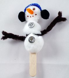 Snowman Crafts for Kids - Snowman on stick, Snowman Ornament. See more Snowman Crafts for kids! Christmas Activities, Christmas Crafts For Kids, Crafts To Do, Christmas Projects, Kids Christmas, Holiday Crafts, Arts And Crafts, Christmas Snowman, Christmas Recipes