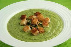 Sopa de Courgette  Ingredientes     1 kg de courgettes   1 cebola