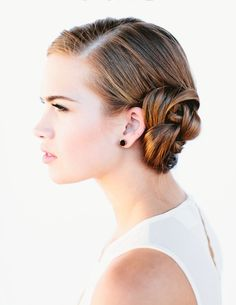 Consider a French braid bun updo for your wedding with the help of this quick + easy hairstyle tutorial.