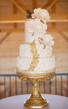 Wedding Trends : Metallic Cakes   bellethemagazine.com Naked Wedding Cake, Beautiful Wedding Cakes, Gorgeous Cakes, Pretty Cakes, Amazing Cakes, Gorgeous Gorgeous, Metallic Cake, Metallic Wedding Cakes, Gold Wedding