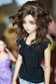 .Pretty brunette.