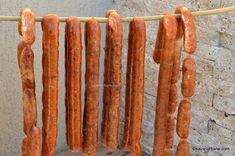 Cârnați cabanos de casă rețeta de cabanoși delicioși și naturali   Savori Urbane Sausage, Meat, Food, Cabin, Meal, Sausages, Essen