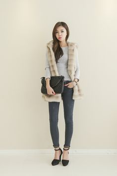 Check out the newest Korean fashion at Itsmestyle.com :) We are wholesale mall…