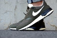 Nike Air Odyssey Cargo Khaki/Sail-Wolf Grey - Sneaker District Amsterdam