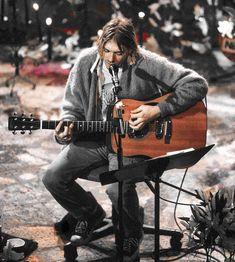 Music Do, Music Bands, Good Music, Kurt Cobain Quotes, Nirvana Kurt Cobain, Grunge Outfits, Grunge Fashion, Nirvana Shirt, Donald Cobain