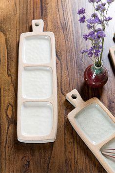 [청백원] [무경도자기] 손잡이 원형접시 Ceramic Teapots, Ceramic Bowls, Ceramic Art, Slab Pottery, Ceramic Pottery, Pottery Art, Kids Clay, Pottery Handbuilding, Pottery Classes