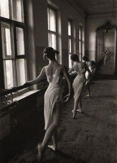 Bolshoi Ballet School  1958  Photo: Cornell Capa