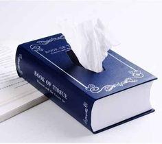 Caixa de lenços de papel em forma de livro. | 24 presentes insanamente inteligentes para amantes de livros