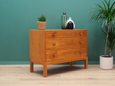 Retro chest of drawers from the / Danish design. Surface veneered with a teak, has four capacious drawers. Preserved in good condition (minor scratches, filled veneer loss) - directly for use. Dresser As Nightstand, Dressers, Danish Design, Chest Of Drawers, Teak, Cabinets, Surface, Retro, Furniture