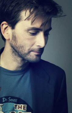 I LOVE DAVID TENNANT...especially with that facial hair.