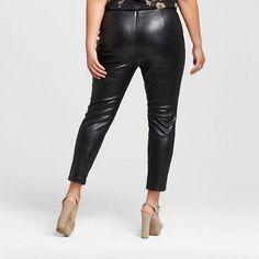 Women's Plus Size Skinny Crop Faux Leather Pants Black - Who What Wear™ Plus Size Leather Pants, Faux Leather Pants, Plus Size Fashion For Women, Plus Size Women, Fall Fashion Trends, Autumn Fashion, Quoi Porter, Pantsuits For Women, Sexy Boots