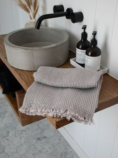 Linen/Cotton Waffle Towel in Grey Minimal Bathroom Design. Luxe towels and bath sheets for easy living. - Bath Sheets - Ideas of Bath Sheets Bad Inspiration, Bathroom Inspiration, Minimal Bathroom, Eco Bathroom, Remodled Bathrooms, Parisian Bathroom, Colorful Bathroom, Bathroom Trends, Master Bathroom