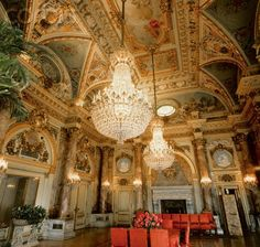 The Breakers, Newport, Rhode Island interior Beautiful Interiors, Beautiful Homes, The Breakers Newport, American Mansions, Marble House, Mansion Interior, Grand Homes, Room Pictures, Elegant Homes