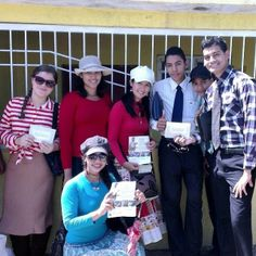 Memorial invitation campaign in Venezuela. -- For date, locations and times see JW.org --  Photo shared by @anthonyeliu