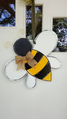 Super cute and ready for summer. Sign actual size: x x lbs. This size does not include the length of the tie it hangs from. Sign also has cushion on the back so your door stays intact. Wood Yard Art, Wooden Wall Art, Wooden Decor, Diy Wood Projects, Wood Crafts, Vinyl Projects, Summer Crafts, Fall Crafts, Wood Craft Patterns