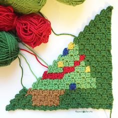 Repeat Crafter Me: Crochet Christmas Tree Pixel Square